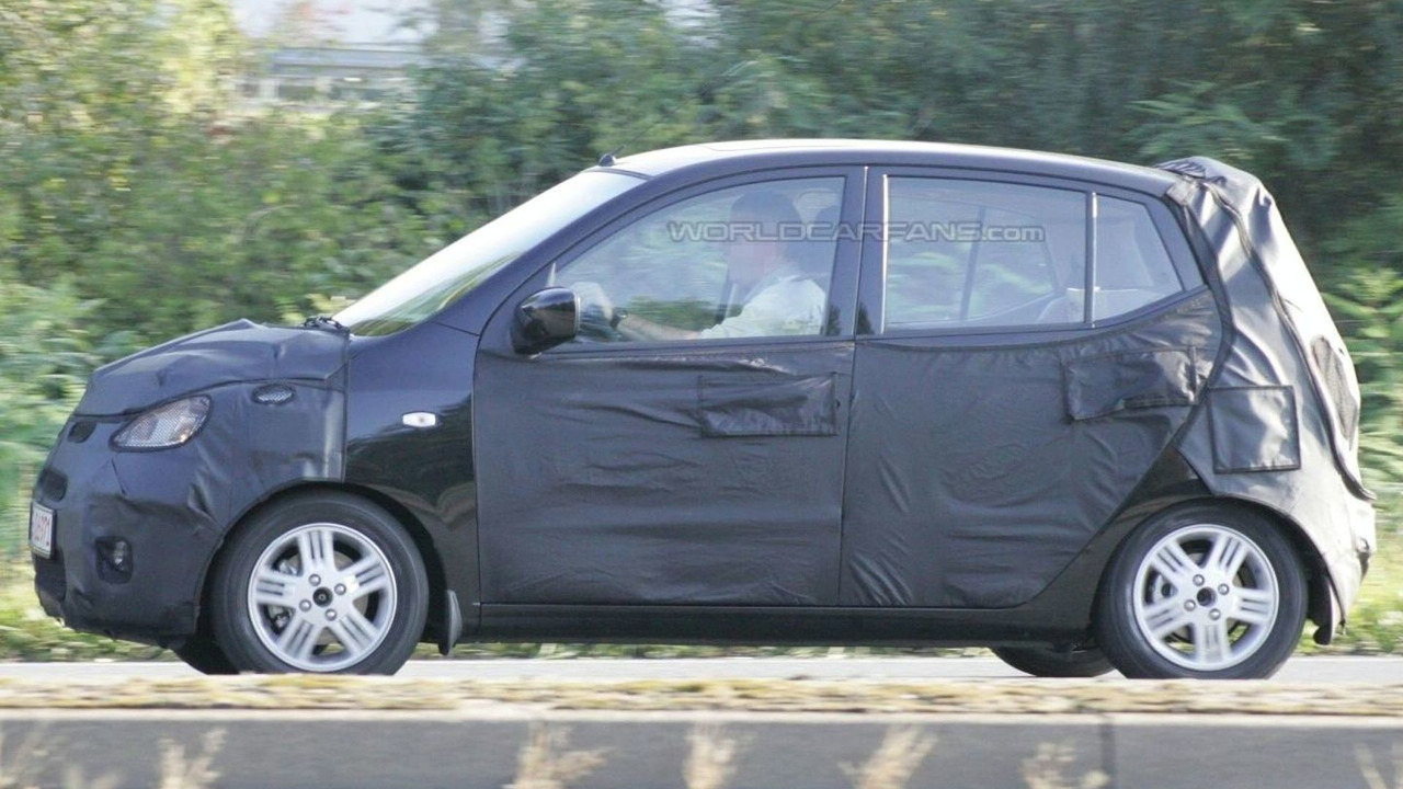 Hyundai i10 Spied