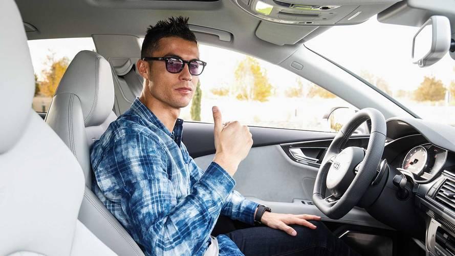 La plantilla del Real Madrid recibe sus vehículos oficiales Audi