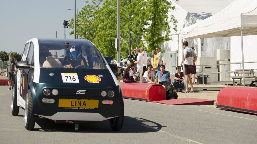 Dutch Students Make Car Out Of Plants