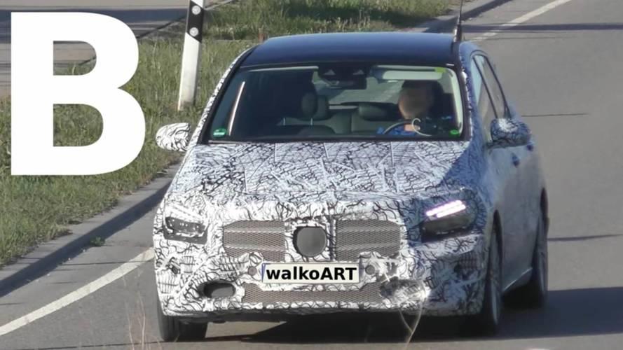 Yeni Mercedes B-Serisi panoramik tavanı ile yakalandı
