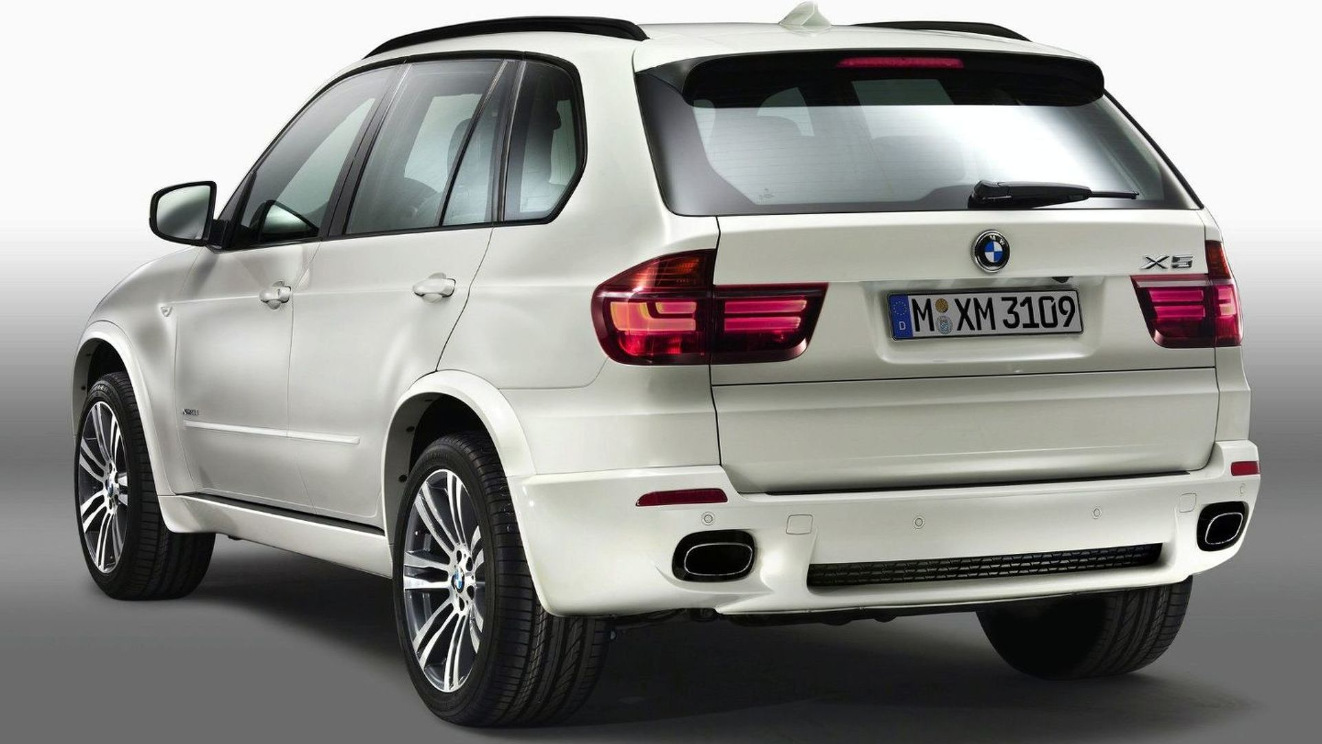 BMW X Facelift With M Sport Package Details And Photos Released - 2011 bmw x5 sport package