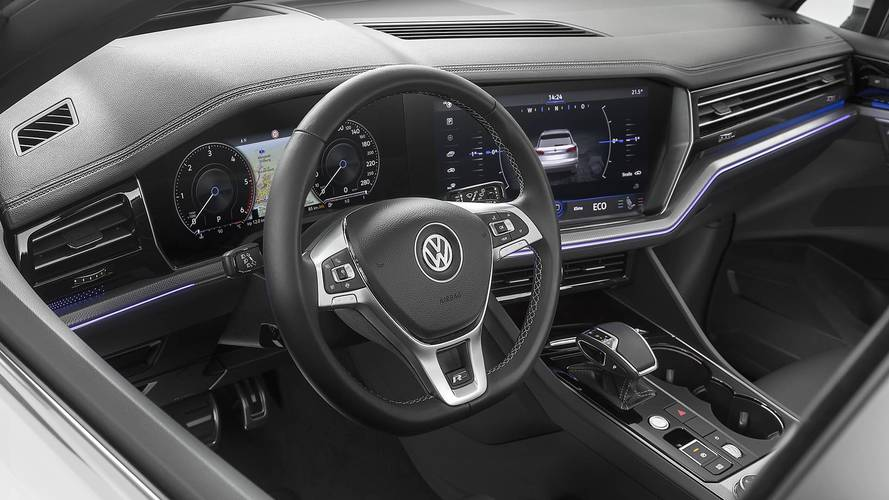 New Volkswagen Touareg finally debuts with bold styling