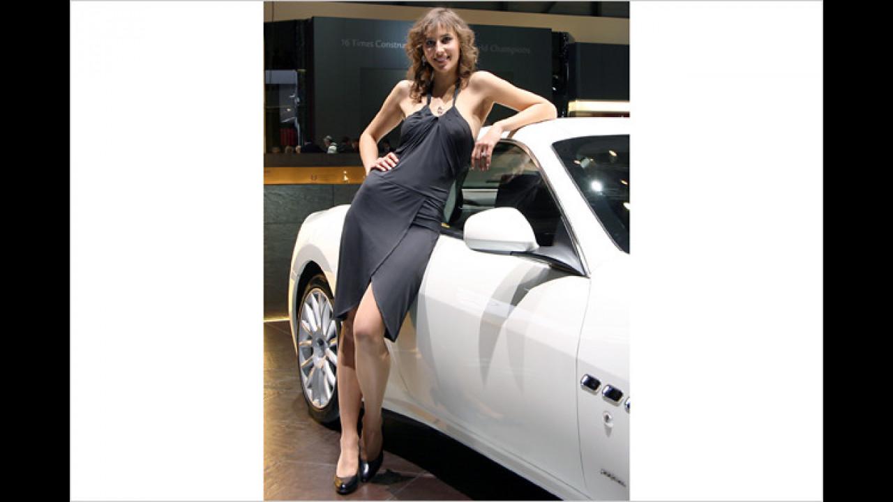 Ich glaube, an einen Maserati würde ich mich auch so lässig lehnen