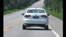 Flagra: pegamos o novo VW Jetta 1.4 TSI Flex de capô aberto!