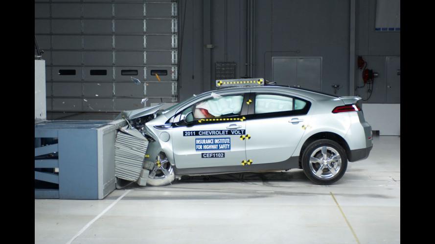 Crash test per Chevrolet Volt e Nissan Leaf