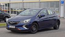 2018 Opel Astra GSi casus foto