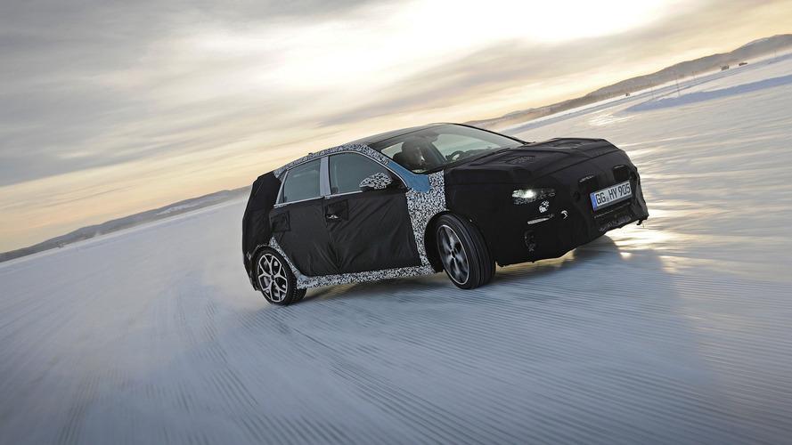 Vídeo del Hyundai i30 N 2017, acción en hielo y nieve