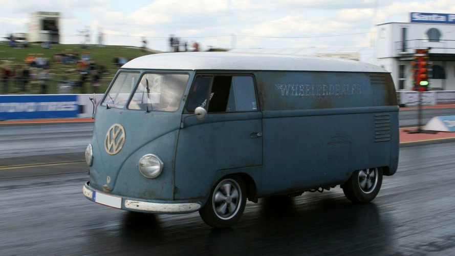 1953 VW Bus breaks world record for fastest VW van