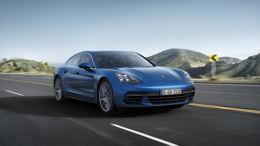 2017 Porsche Panamera 4S promo videos will make your day