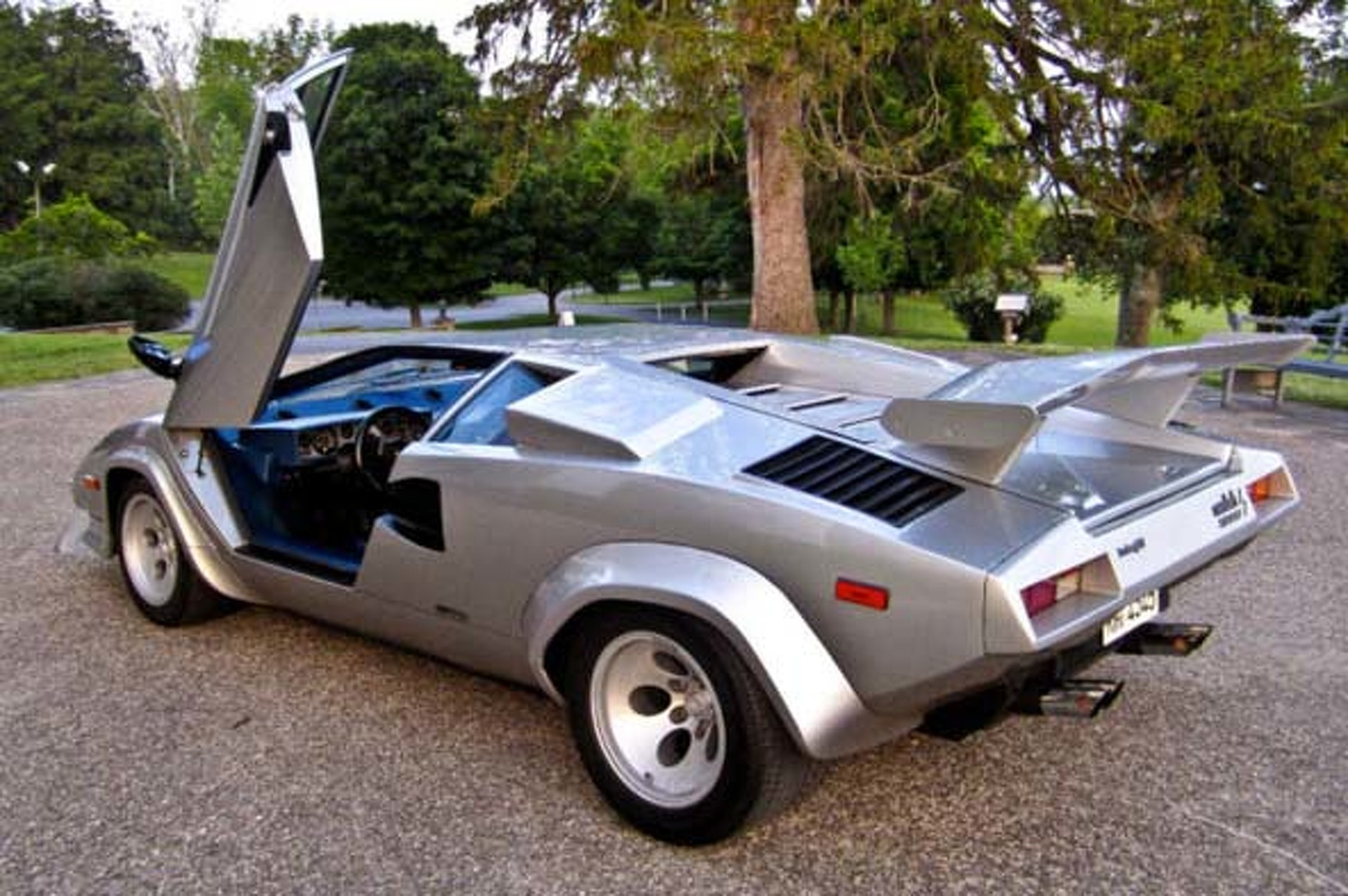 this 1982 lamborghini countach 5000s is on ebay right now. Black Bedroom Furniture Sets. Home Design Ideas