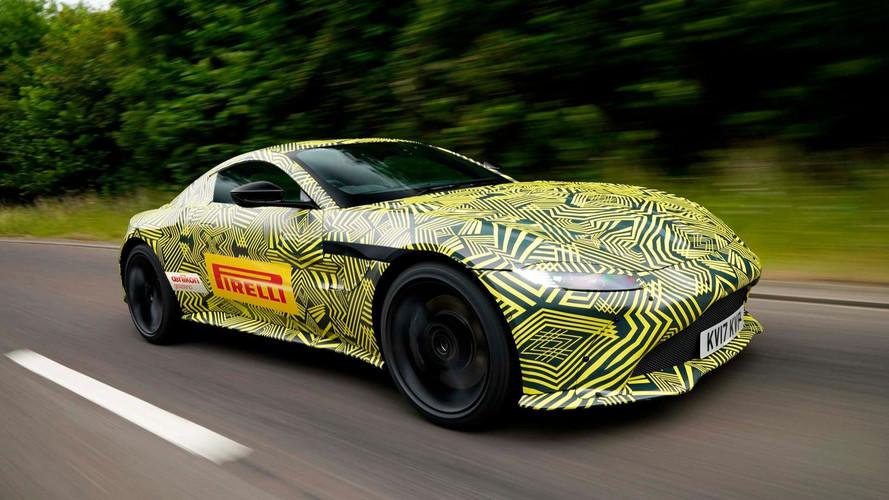 Hivatalos fotókon az új Aston Martin V8 Vantage