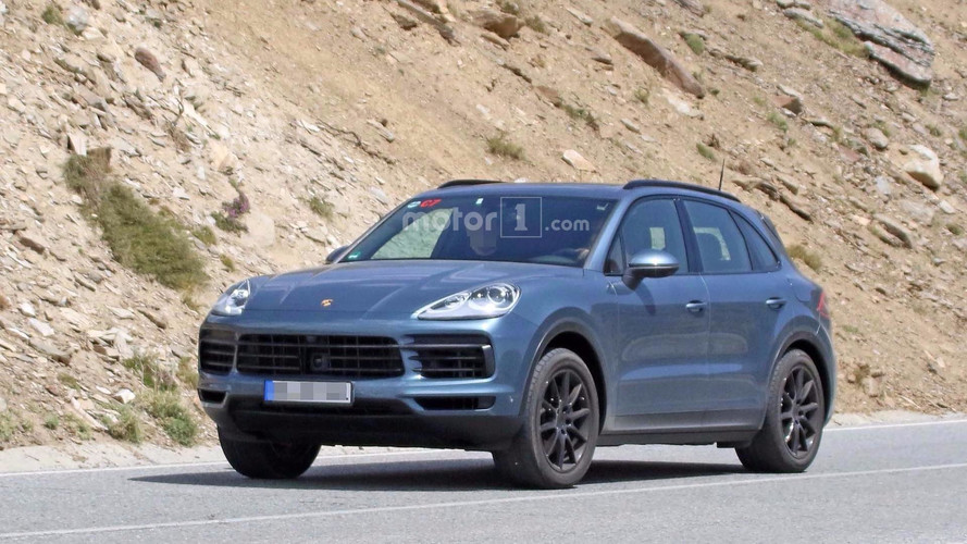 Porsche Cayenne Spy Photos