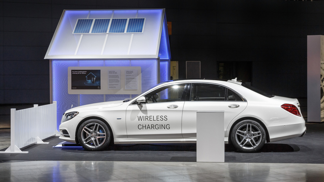 2018 Mercedes-Benz S500e wireless charging