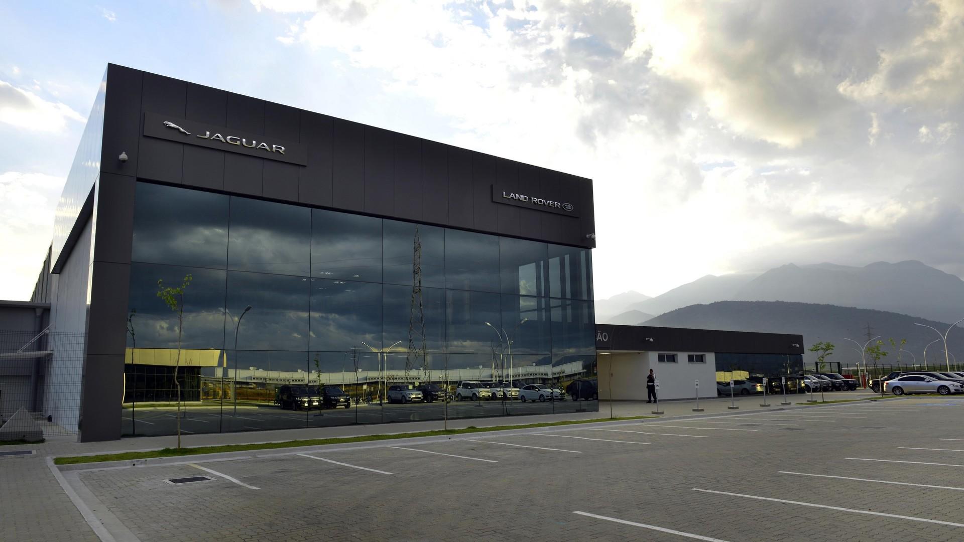 Jaguar Land Rover opens factory in zil