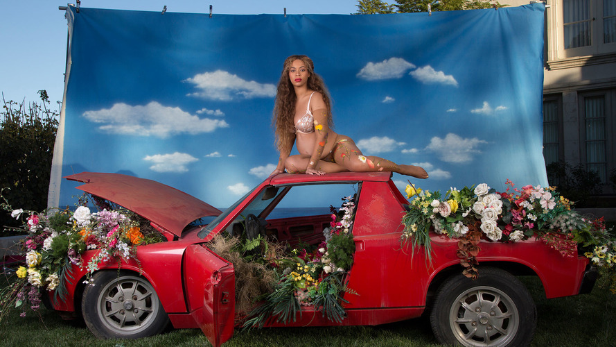 Beyonce's pregnancy photos shot atop a dirty Porsche 914