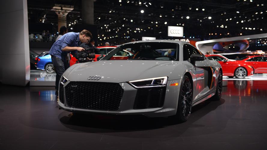 Audi R8 Exclusive Edition, lazer farlarıyla L.A.'i aydınlatıyor