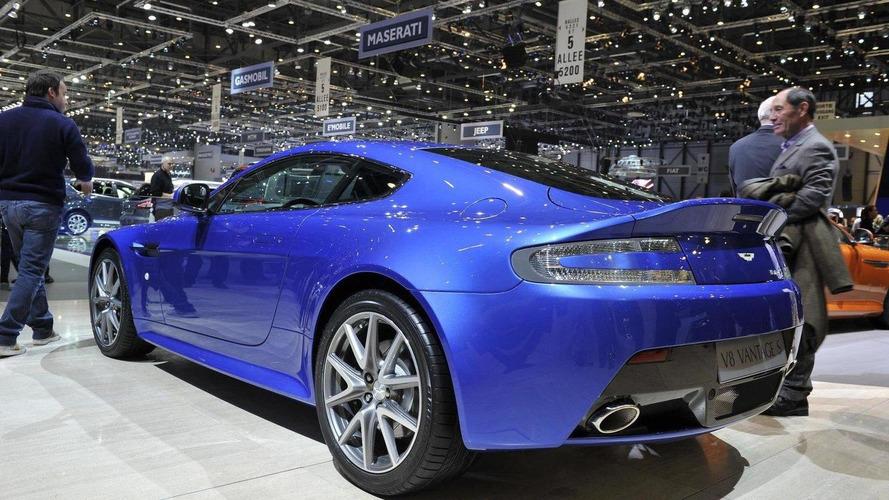 Aston Martin Vantage S on the track [videos]