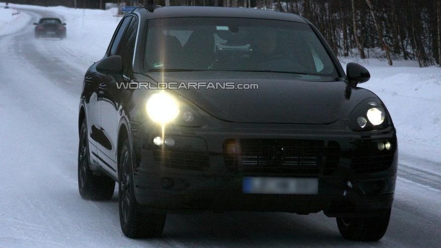 2011 Porsche Cayenne Spied on Video