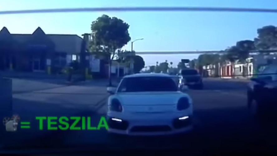 Porsche Cayman GT4, Tesla ile yarışmaya çalışıyor
