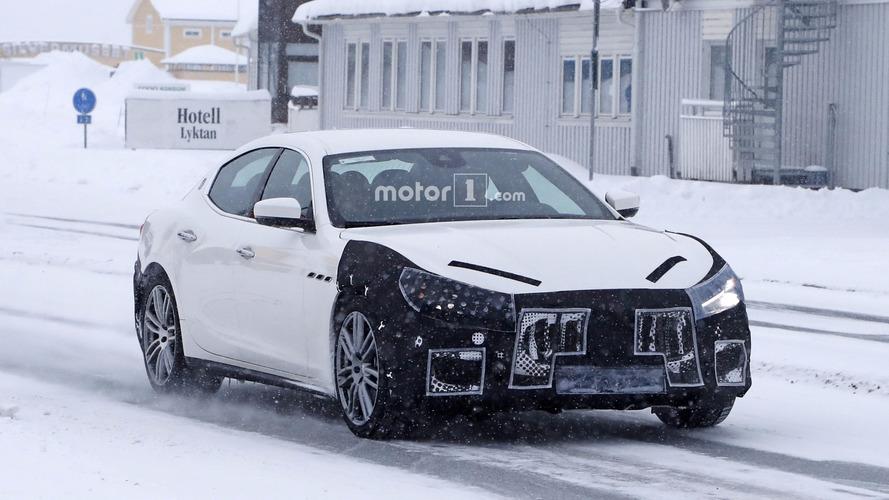 2018 Maserati Ghibli facelift spy photos