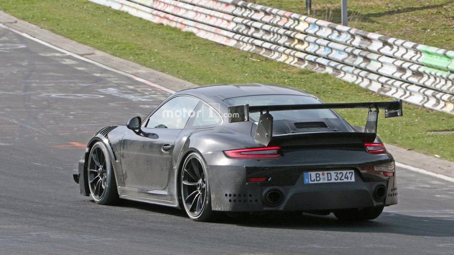 VIDÉO - La Porsche 911 GT2 RS à l'assaut du Nürburgring