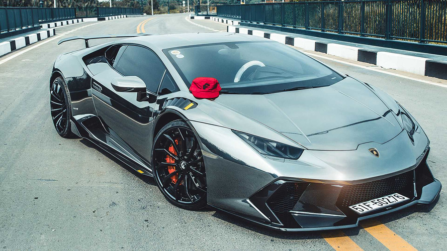 Roof Rack Lamborghini >> You Need Shades To Look At This Liquid Metal Lamborghini