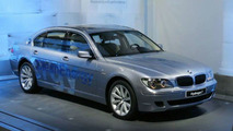 BMW Hydrogen 7 World Debut