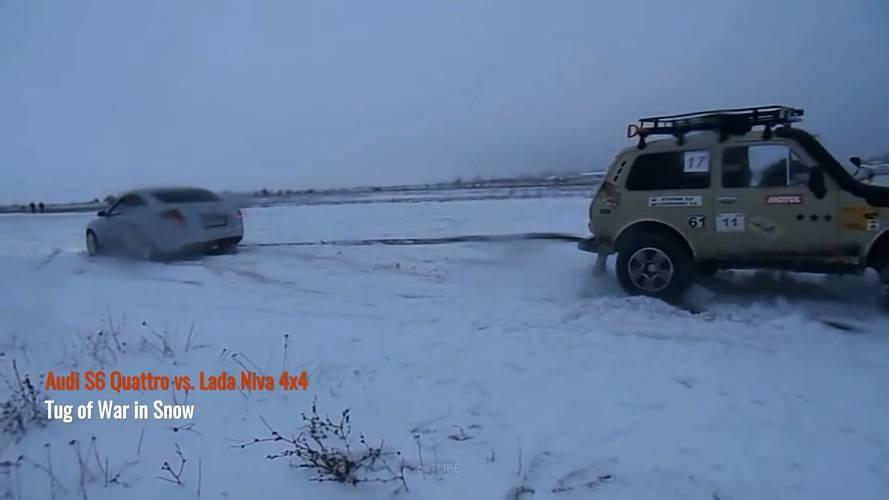 Kötélhúzás a hóban: Audi S6 vs. Lada Niva