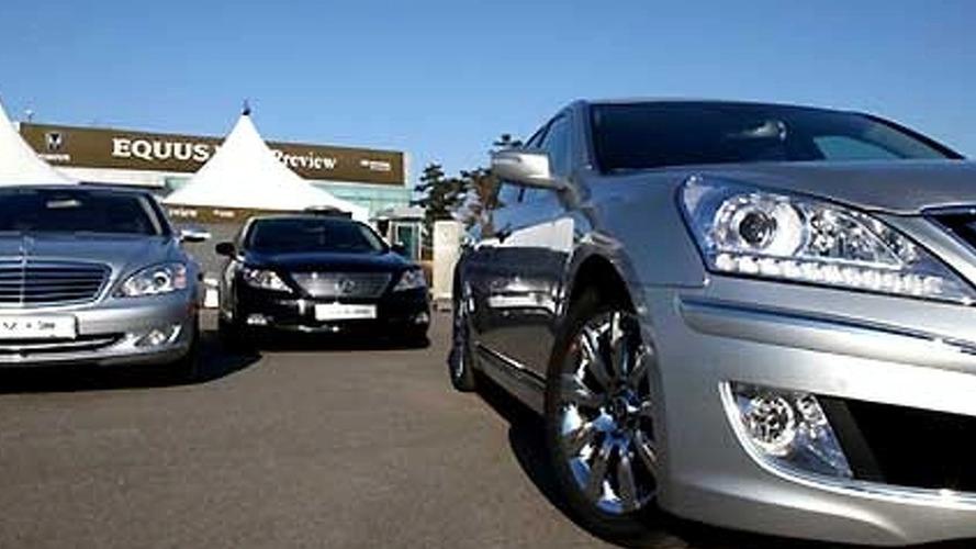 Hyundai Equus Revealed to Journalist in Korea