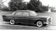 1959 Mercedes-Benz 220 SE: first crumple zone production car in the world
