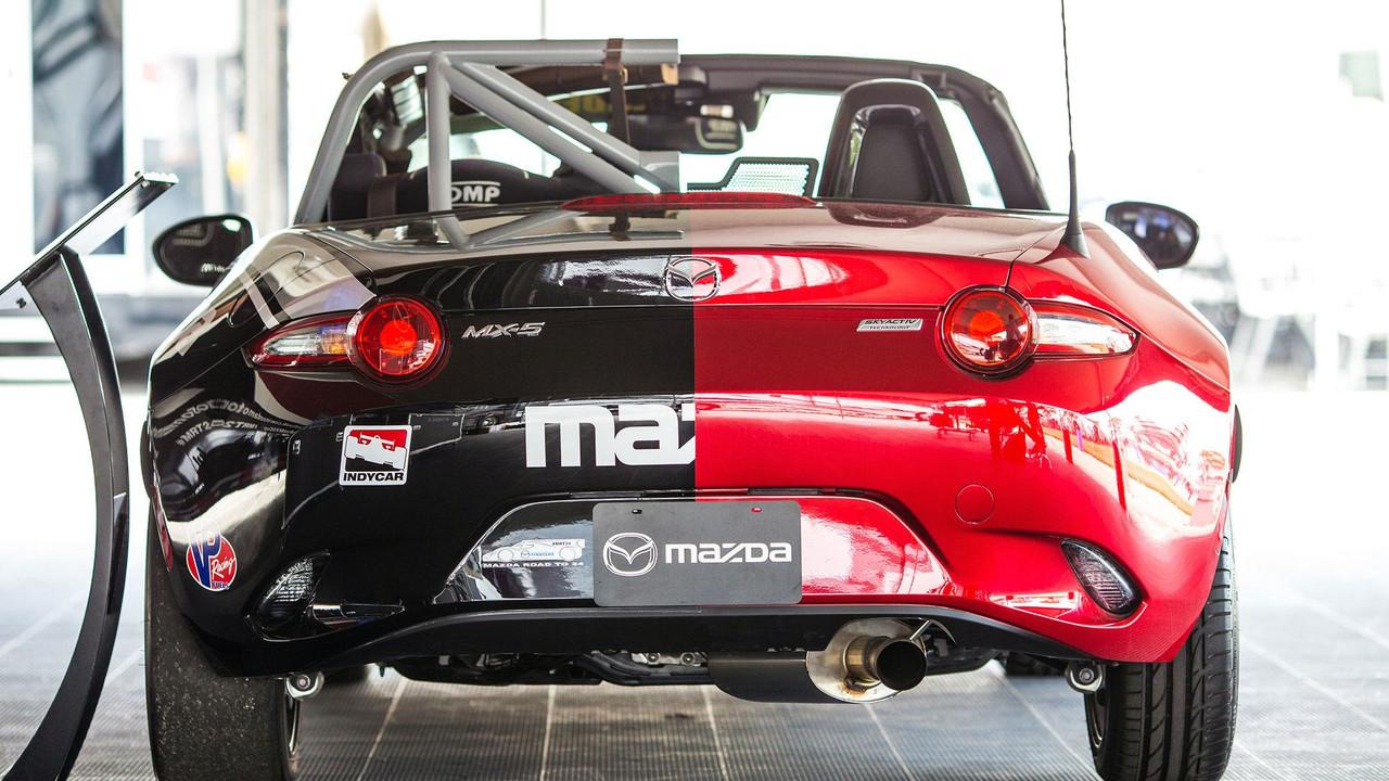 Mazda MX-5 Miata Yarış Aracı