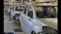 Fiat mostra carroceria do novo 500X dentro de sua fábrica
