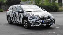 2015 Honda Civic Tourer facelift spy photo