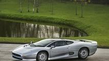 Bridgestone, Jaguar'ın efsanesi XJ220'ye özel lastik geliştiriyor