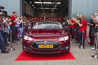 Tesla Opens Up First Dutch Assembly Plant