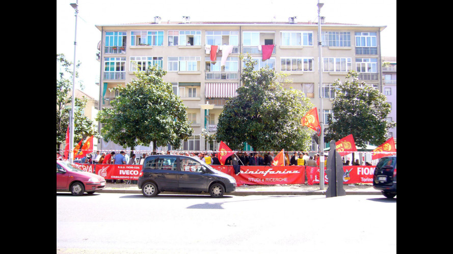 Fiat non licenzia, ma offre lavoro in Italia
