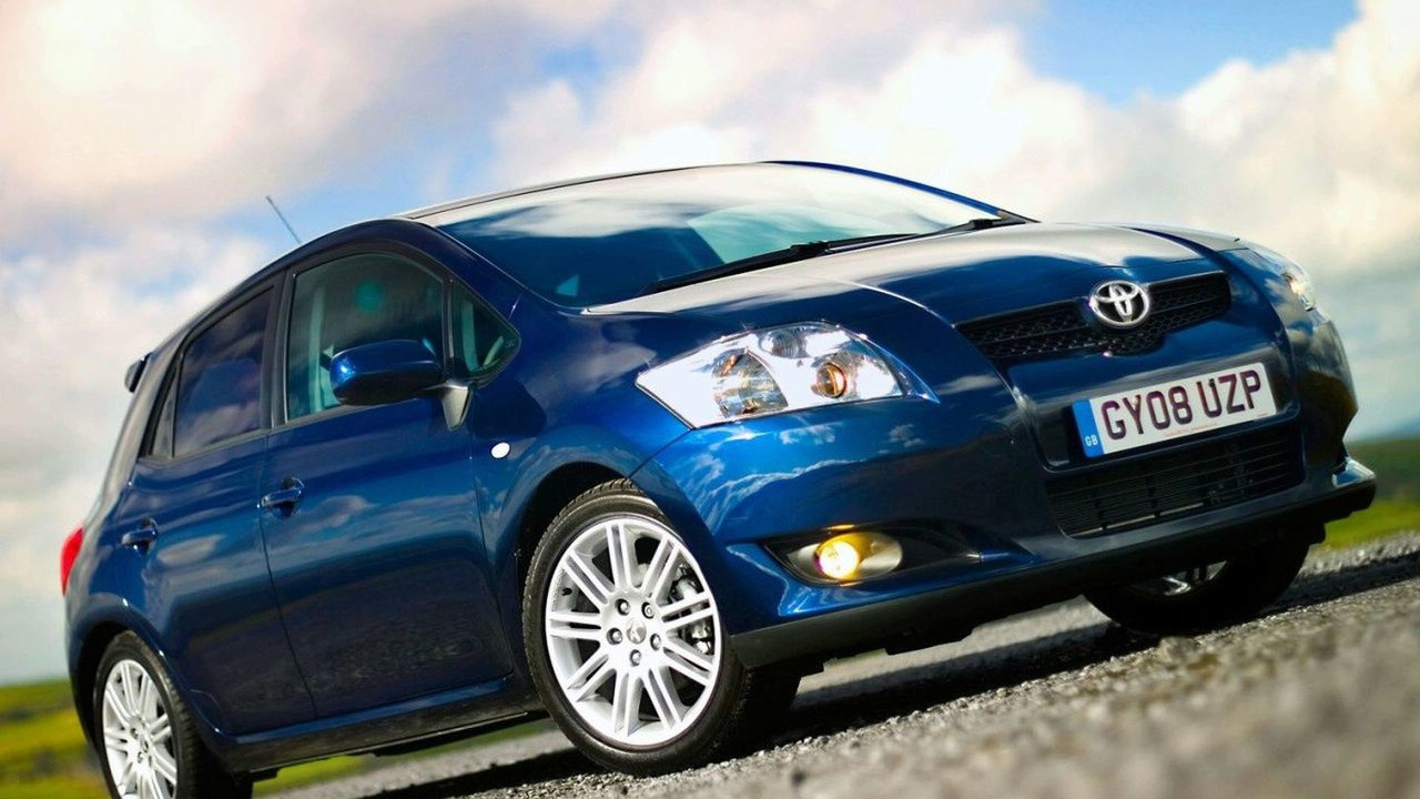 Toyota Auris SR (UK)