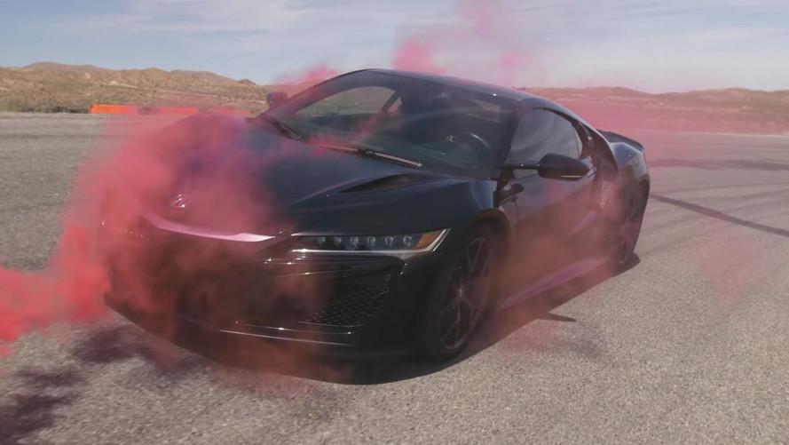Acura NSX Aerodynamics Visualized On Video Using Smoke And Paint