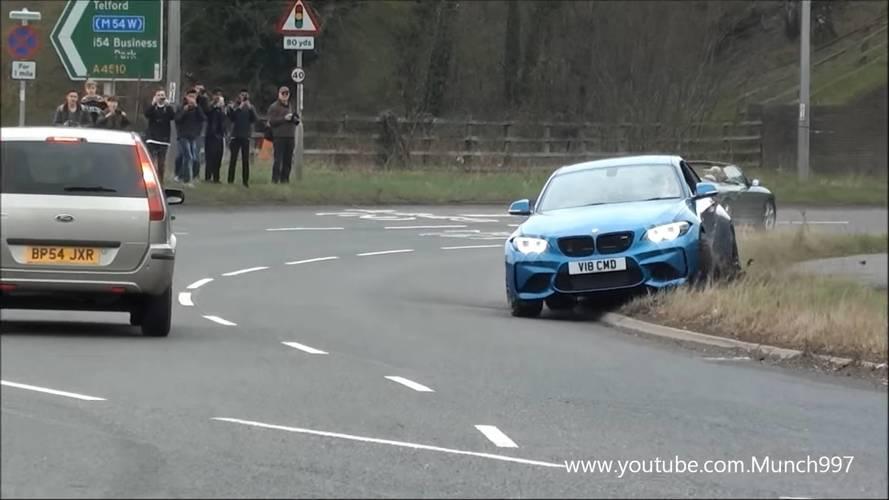 Félresikerült driftelés után padkázott a BMW M2
