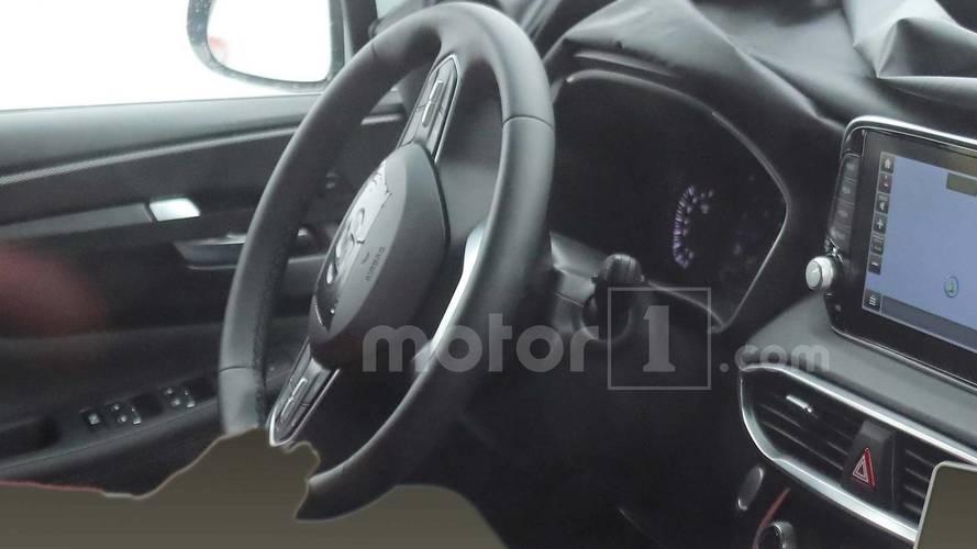 Yeni Hyundai Sante Fe'nin iç mekanına bir göz atalım