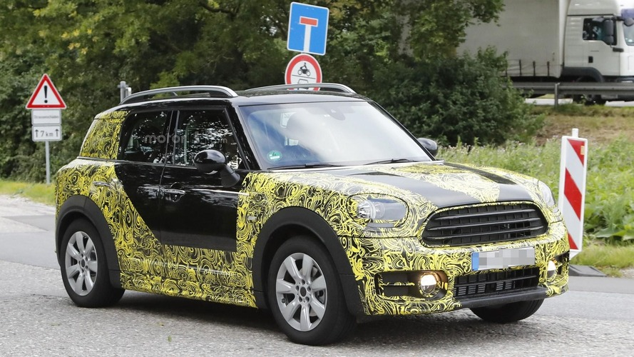 Mini Countryman 2017 - Les photos espion confirment un modèle encore plus grand