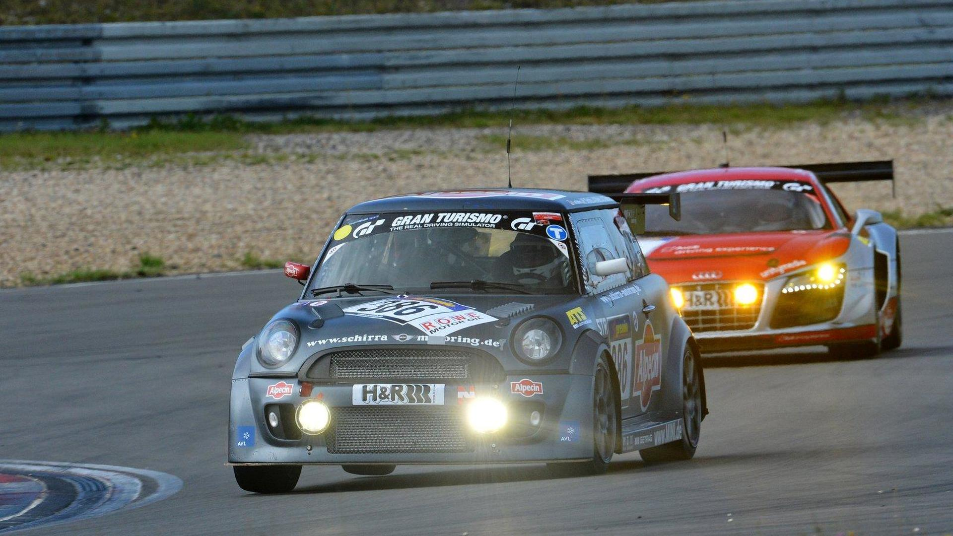The fastest MINI Race Car\' on the Nürburgring Nordschleife [video]