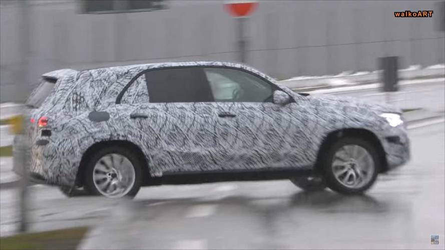 2019 Mercedes-Benz GLE-Class Spied Without Headlight Camo