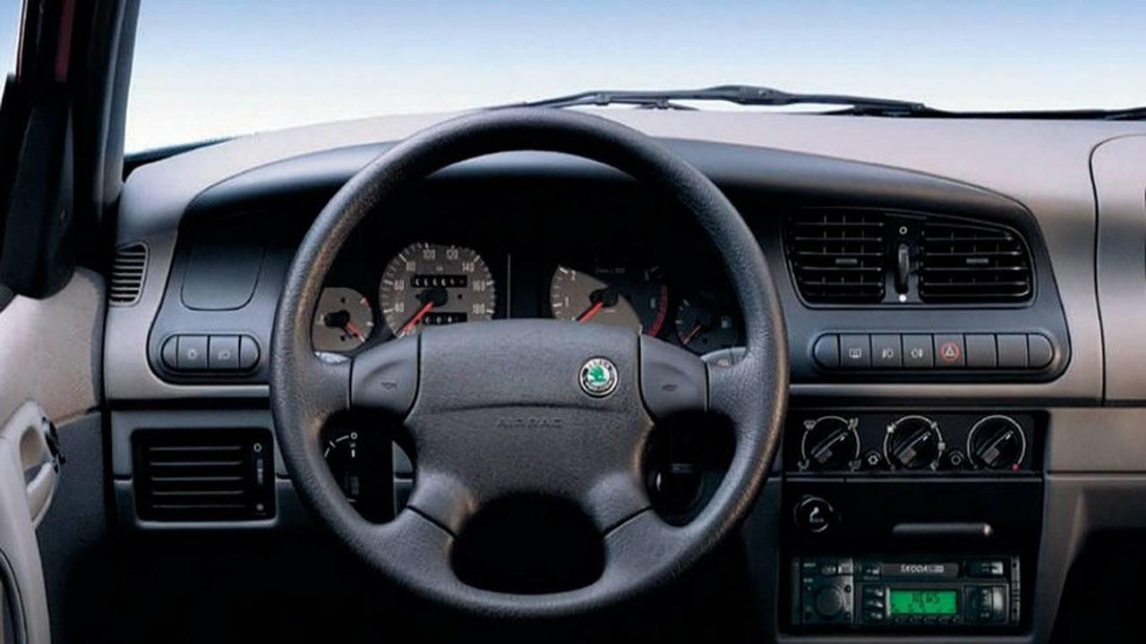 1996 Skoda Felicia steering wheel