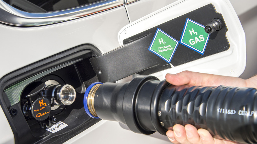 BMW sees plug-in hybrids as stopgap, bets big on EVs and FCEVs