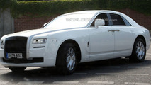 White Rolls Royce Ghost