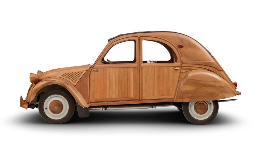 Citroën 2CV de madera, ¡ahora en movimiento!