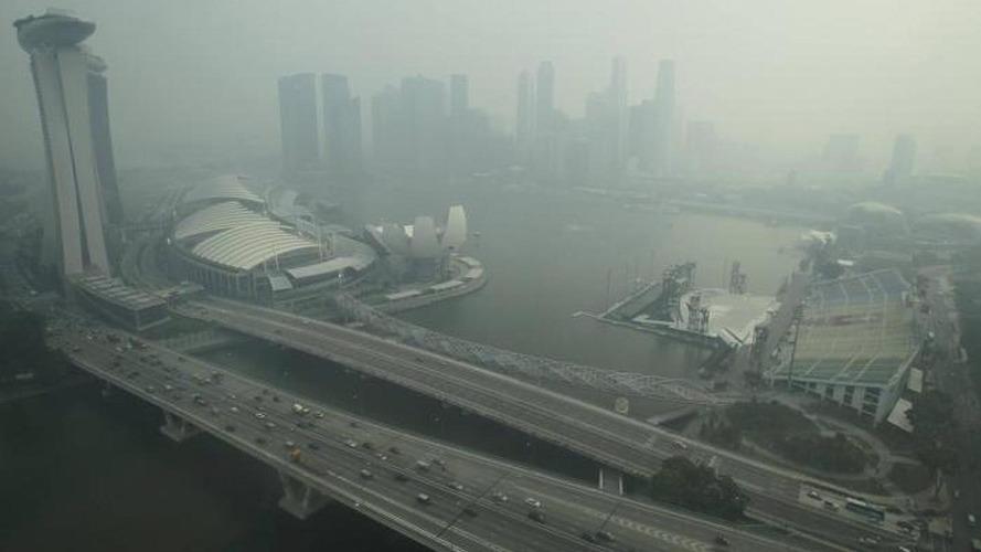 Smoke haze over Singapore for GP