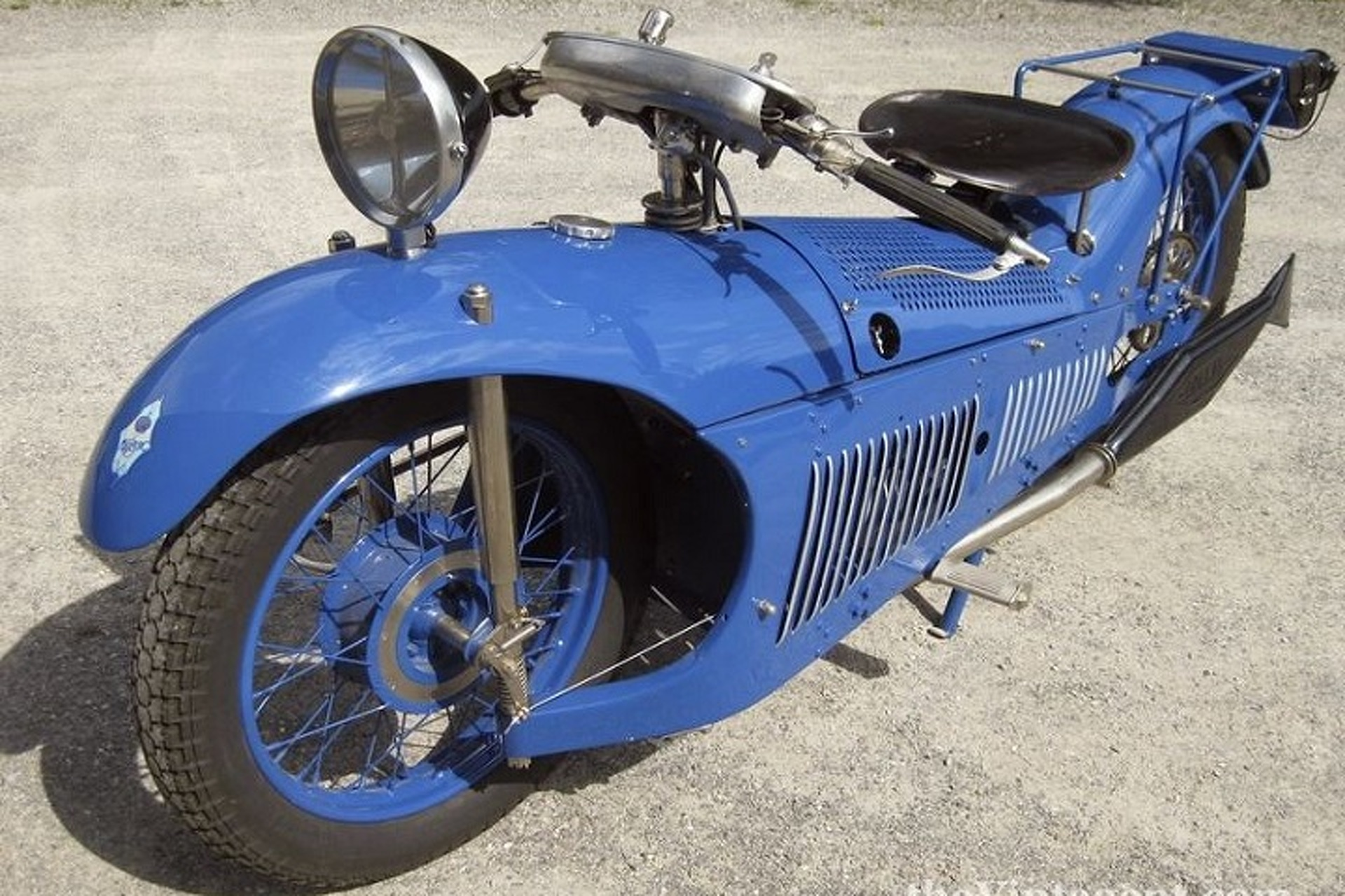 Watch a Rare 1929 Majestic Motorcycle in Action