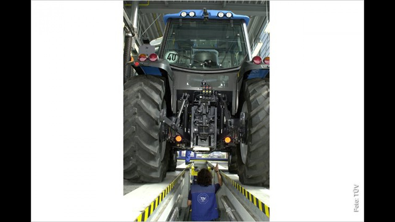 ,Brauchst nicht genau schauen bei meinem Traktor – mit dem fahre ich nur im Obstgarten